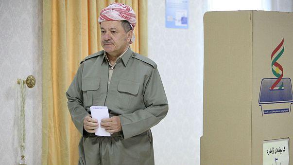 Iraque: Curdos congelam referendo sobre a independência