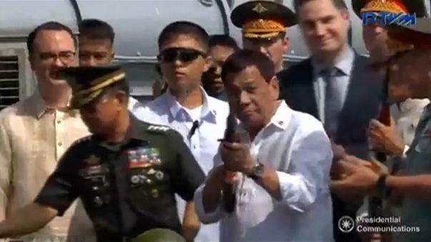 Duterte estrecha lazos con Rusia
