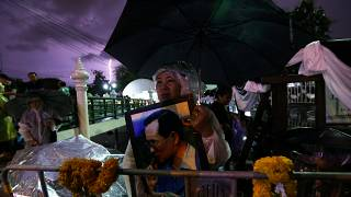 Thais pay their final respects to King Bhumibol