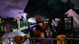 تايلاند تبدأ مراسم جنازة باذخة للملك الراحل بوميبون أدولياديغ