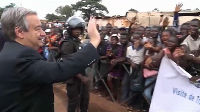 """Guterres salue """"l'héroïsme"""" des Casques bleus en Centrafrique"""