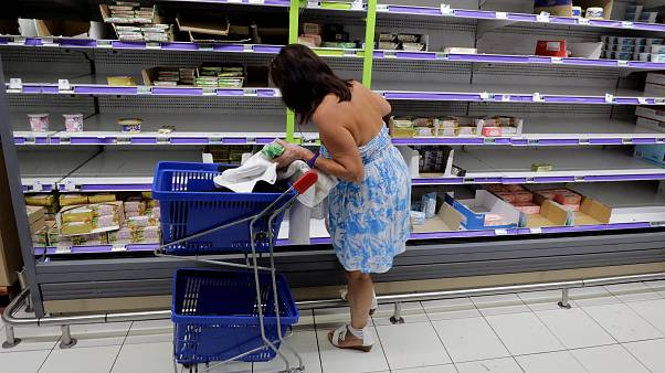 """""""نقص الزبدة"""" يهدد صناعة الكروسان والحلويات في فرنسا"""