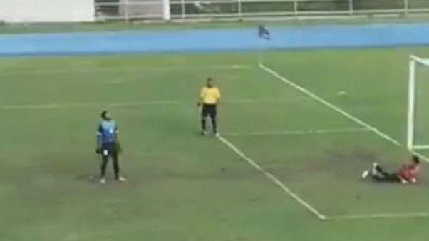 شاهد: أغرب ضربة جزاء في تاريخ الكرة!