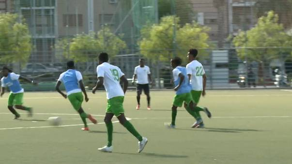 Schillaci treina equipa composta por jovens migrantes