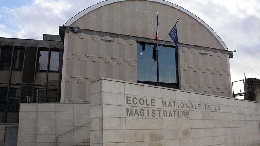 Fransız hakim adaylarından Türk hukukçulara ve YARSAV'a destek