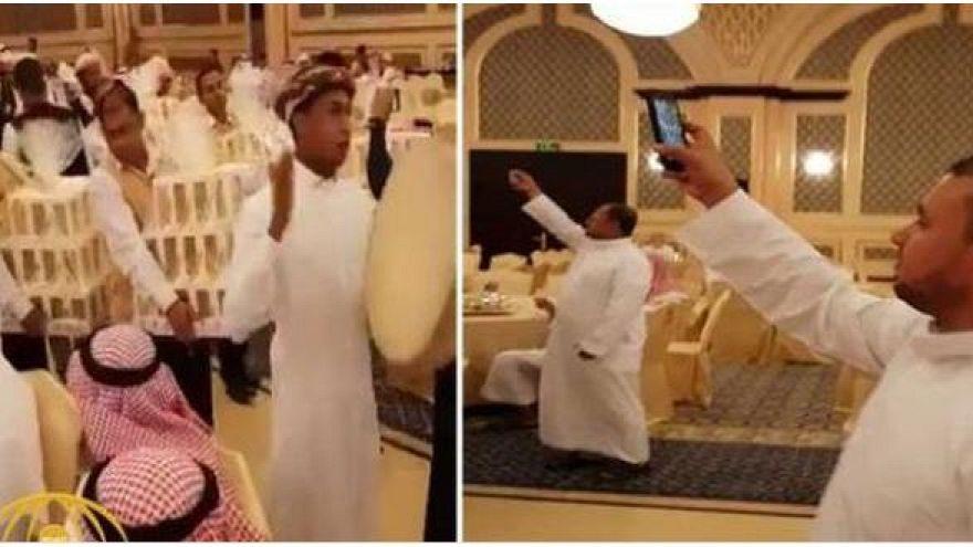 Damat düğüne gelen her davetliye iPhone 8 hediye etti