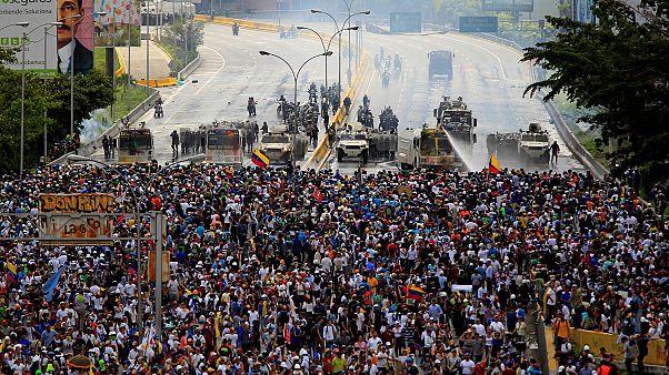 Венесуэльским оппозиционерам - премия Сахарова
