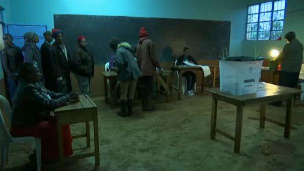 Kenia wiederholt annulierte Präsidentschaftswahl, Zweifel bleiben