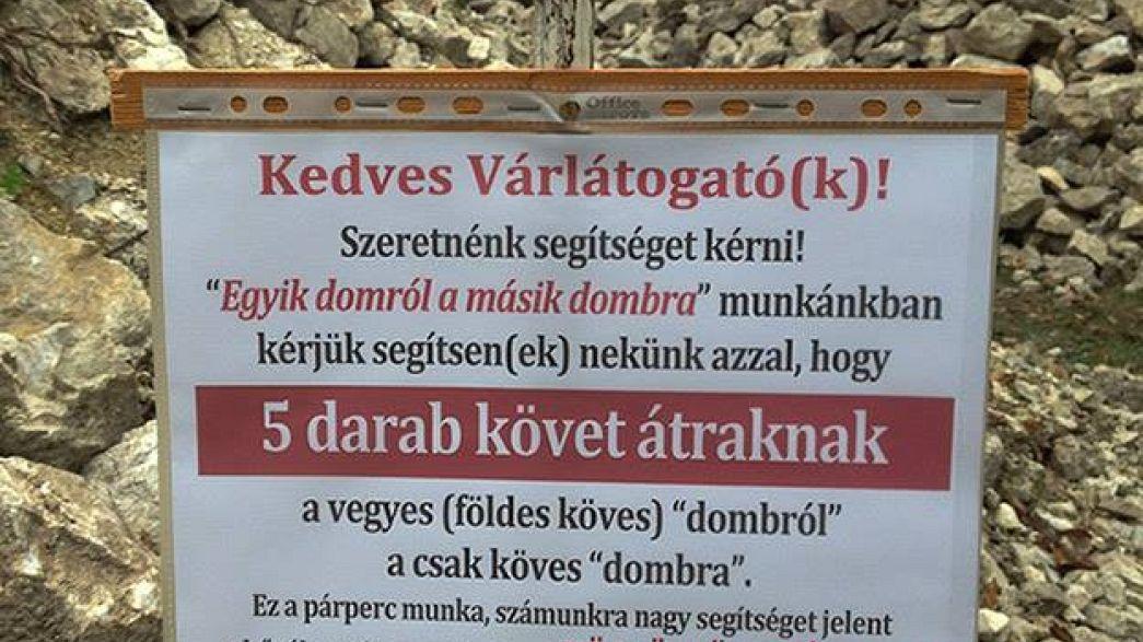 Steine schleppen im Urlaub: Touristen am Balaton sollen spontan Schloss restaurieren