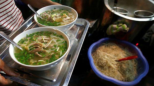 Giappone, forchetta anti-risucchio contro il rumore da noodles