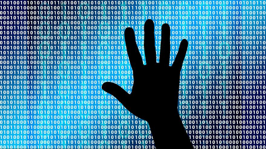پوتین: فیلتر نمیکنیم اما با عقاید افراطی در اینترنت مبارزه میکنیم