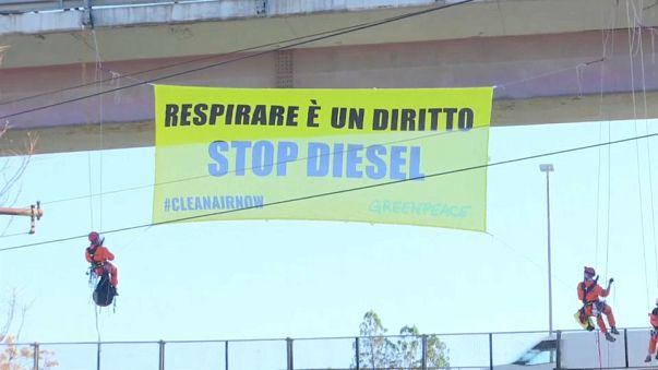 Roma, Greenpeace protesta contro i moitori diesel