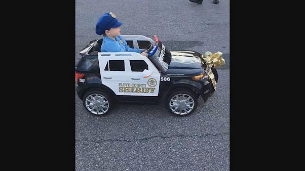 Полицейские поблагодарили мальчика