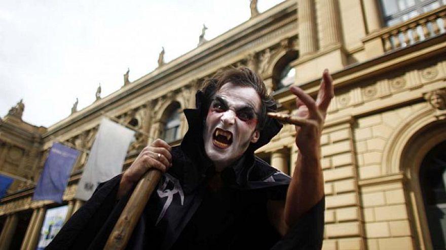بعد مالاوي مصاصو الدماء يصلون إلى مصر!
