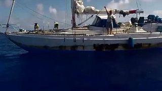 شاهد: لحظة العثور على سيدتين أمريكيتين فقدتا في المحيط الهادئ قبل 5 أشهر