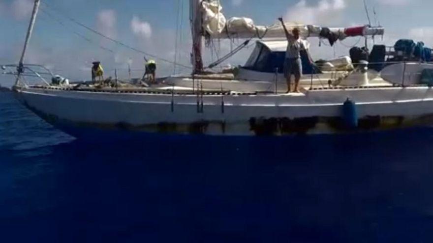 Due veliste (con cani al seguito) salvate dopo 175 giorni nel Pacifico