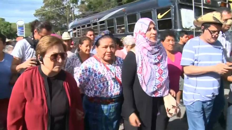 Rigoberta Menchú y otras tres Nobel se suman a la lucha contra la mina San Rafael