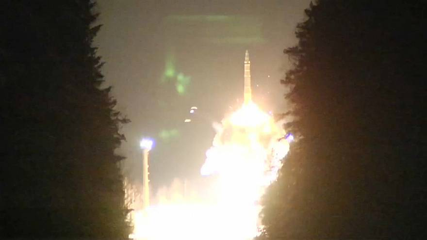 Russia tests ballistic missiles