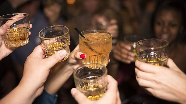 نتیجه یک پژوهش: با مصرف کم الکل زبان خارجی را بهتر صحبت میکنیم
