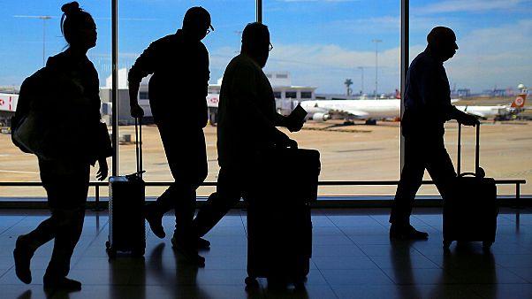 Από «κόσκινο» θα περνάνε όσοι ταξιδεύουν στην Ευρώπη