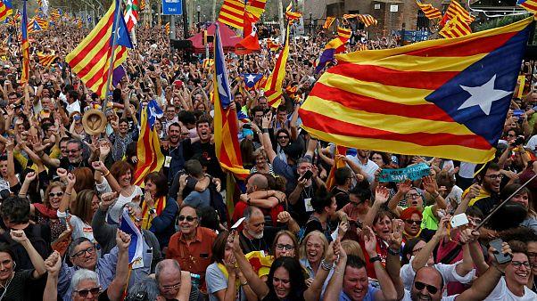 پارلمان کاتالونیا رای به استقلال از اسپانیا داد