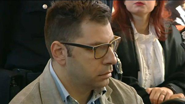 السجن 24 عاما لإيطالي نقل فيروس الإيدز لعشرات النساء