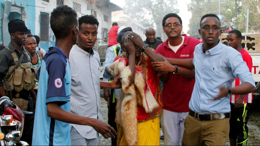 Somali'de iki bombalı saldırı : En az 7 kişi hayatını kaybetti