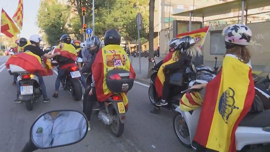Barselona'da motorsikletçiler gösteri düzenledi