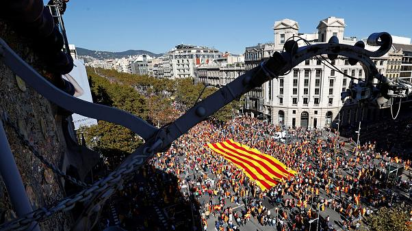 Más de un millón de personas en Barcelona por la unidad de España según los organizadores