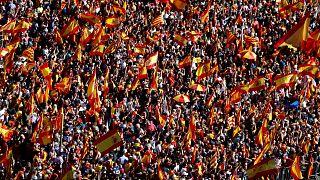 Százezrek tüntettek az egység mellett Barcelonában
