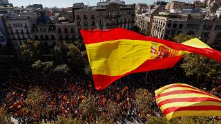 صدها هزار مخالف جدایی کاتالونیا از اسپانیا در بارسلون تظاهرات کردند