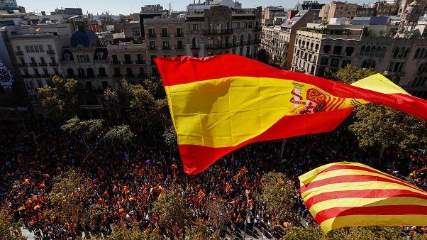 Barselona'da birlik yanlısı yüz binler sokaklarda