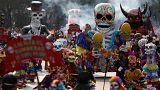 """Вовсе не страшно: """"парад мертвецов"""" в Мехико"""