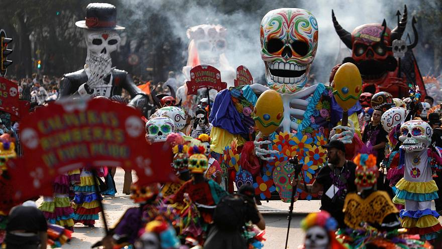 Esqueletos nas ruas da Cidade do México