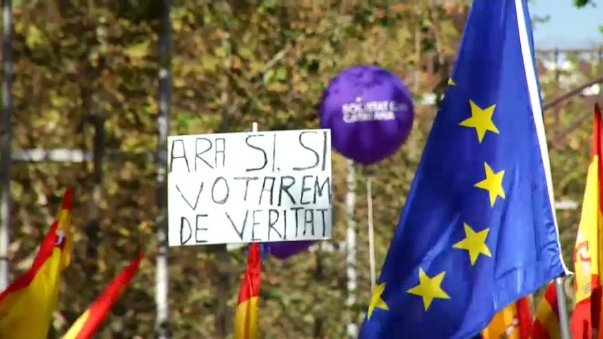 Los políticos animan a los ciudadanos a votar en las elecciones catalanas