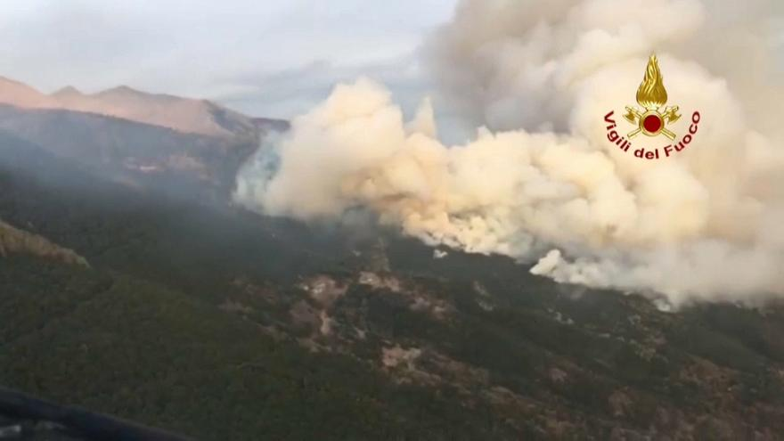 Incêndios assolam Alpes italianos