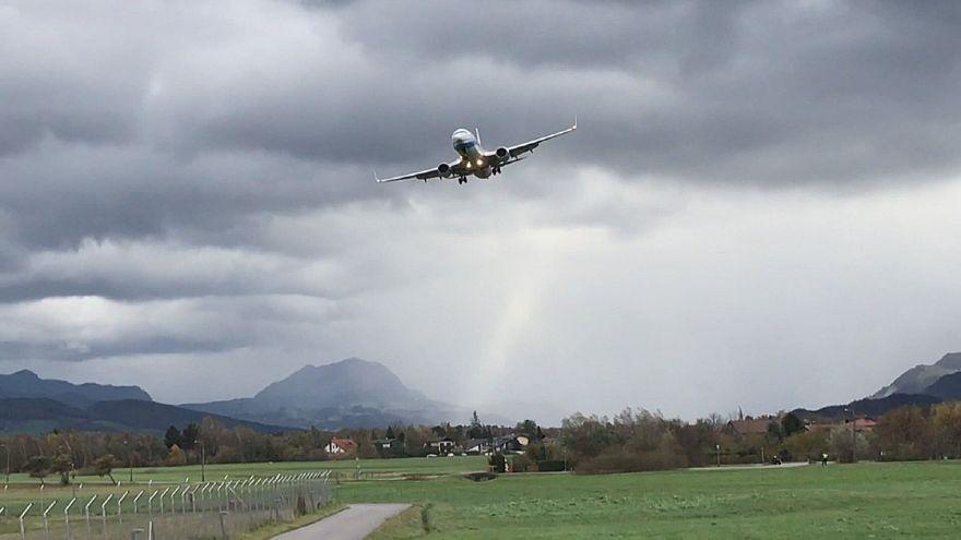Avusturya'da şiddetli rüzgarlar hayatı zorlaştırıyor