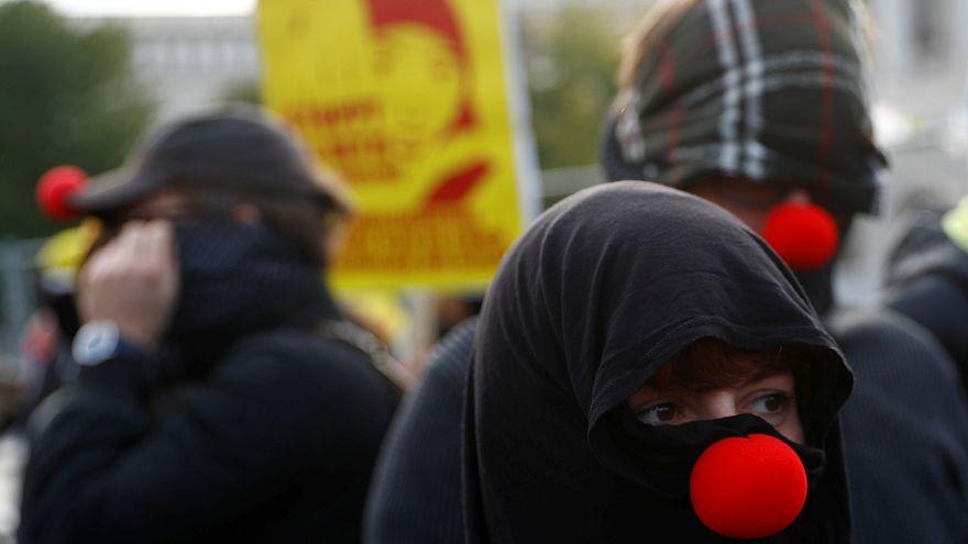 Nicht nur zu Halloween: Ärger um Verhüllungsverbot