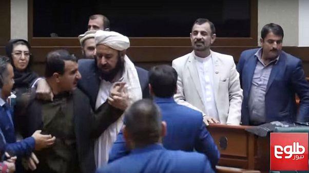 بحث در مجلس سنای افغانستان به درگیری فیزیکی کشید