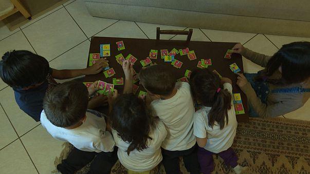Grecia: bambini rifugiati accolti in famiglia