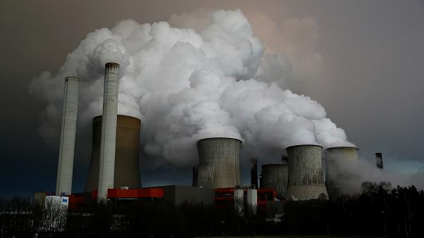 UN warns CO2 levels reach record high