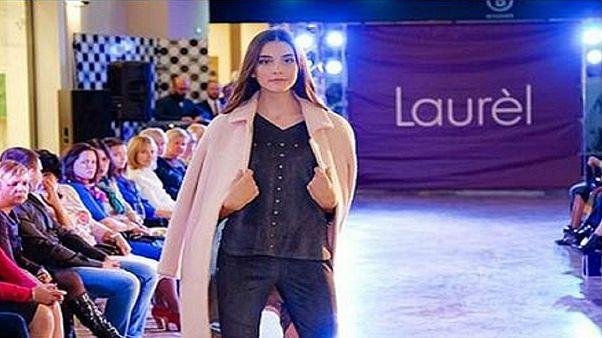 Halálra dolgozhatta magát egy 14 éves orosz modell