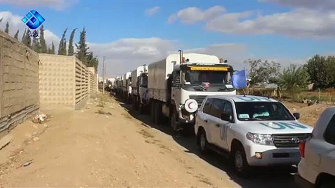 قافلة مساعدات تدخل ريف دمشق لإغاثة 40 ألف شخص
