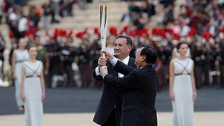 Η Ελλάδα παρέδωσε την Ολυμπιακή Φλόγα στην Πιόνγκτσανγκ