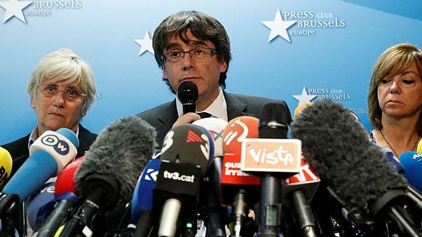 رئيس كتالونيا المقال يقبل بإجراء انتخابات مبكرة