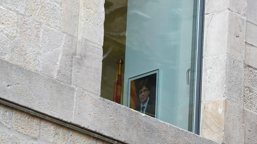 """È subito parodia web per la """"fuga"""" di Puigdemont in Belgio"""