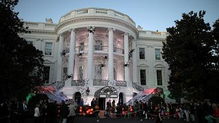 Trump welcomes schoolchildren to the White House for Halloween