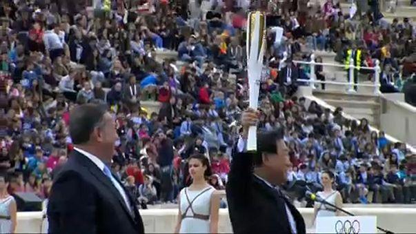 A 100 giorni dalle Olimpiadi comincia il viaggio di 8000 km della torcia olimpica