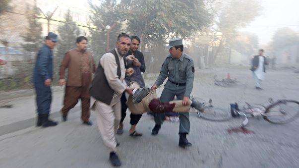 Robbanás, halottak Kabulban