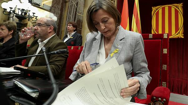 El Constitucional suspende la DUI aprobada por el Parlament